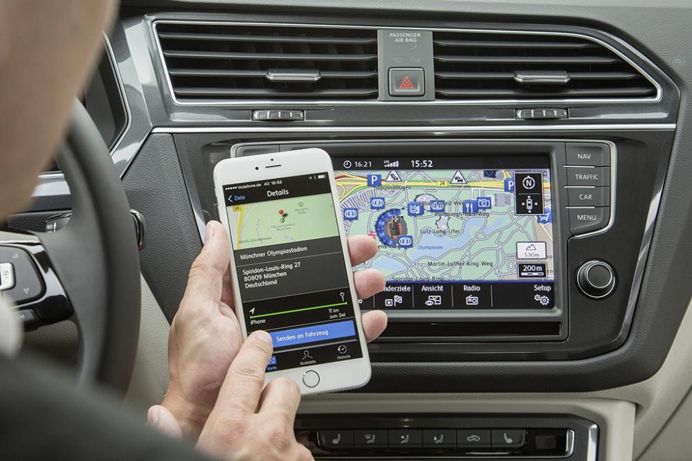 Sonstiges: Navi - Handy - Connected Car