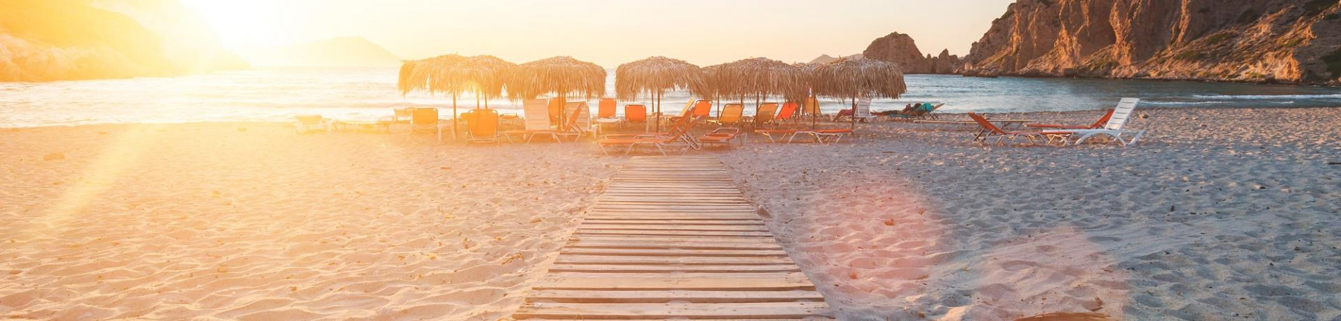 Griechenland-Milos-Strand-Emotion_GI-943831800.jpg