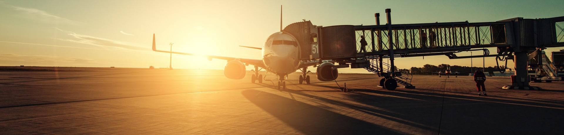 Flugzeug Airport Sonnenuntergang Emotion