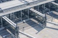Leere gates am Flughafen BER