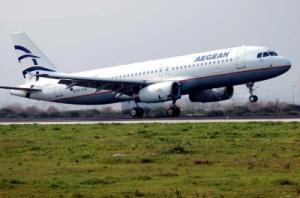 Aegean Airlines Flugzeug beim Start