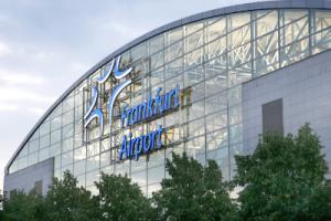 Der Frankfurter Flughafen von außen
