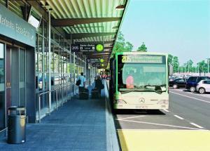 Bushaltestelle am Flughafen Karlsruhe