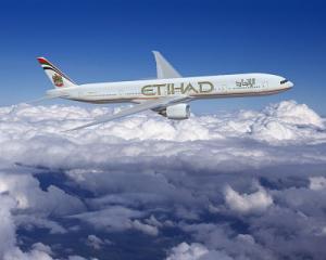 Etihad Boing 777 300 ER während des Flugs (klein)