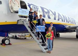 Ryanair Flugzeug neue Strecke