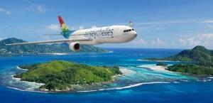 Air Seychellen Fluzeug über Insel