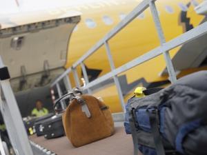 Flughafen Berlin-Tegel Gepäckverladung