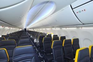 Ryanair spendiert seinen Maschinen das neue Sky Interieur von Boeing.