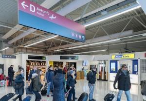 Flughafen Berlin-Schoenefeld Terminal D Ankunft