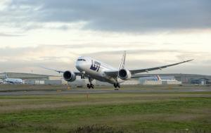 LOT Boeing 787 beim Start II