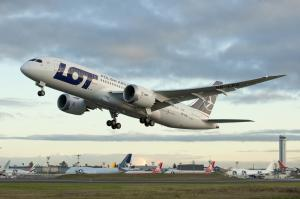 LOT Boeing 787 beim Start