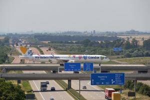 Condor Jet am Flughafen Leipzig