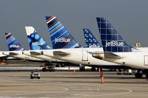 Jet Blue Heckflossen