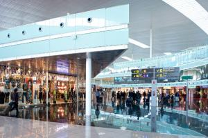 Flughafen Barcelona Terminal Shops