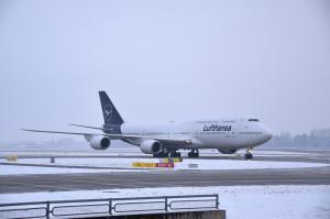 Lufthansa Boeing 747 München Schnee