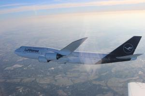 Lufthansa Boeing 747 im Flug