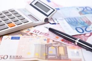 Euroscheine mit Taschenrechner
