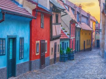 9345+Tschechien+Prag+Goldenes_Gässchen+GI-692256816