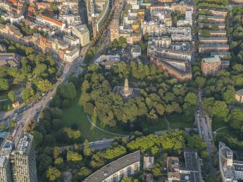 8419+Deutschland+Hamburg+Park,_Grün+GI-707451819