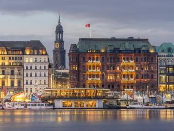 8419+Deutschland+Hamburg+Jungfernstieg+GI-932636092