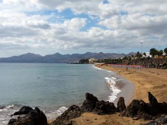 516+Spanien+Lanzarote+Playa_De_Los_Pocillos+TS_136160519