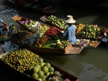 6469+Thailand+Bangkok+Floating_Market+TS_139865681