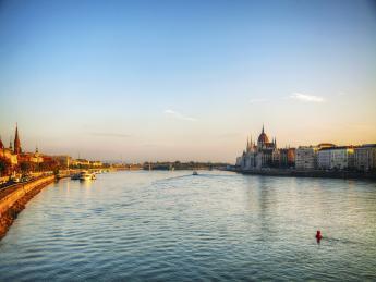 9404+Ungarn+Budapest+Donau+TS_178156521