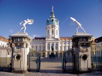 8734+Deutschland+Berlin+Schloss_Charlottenburg+TS_55845073