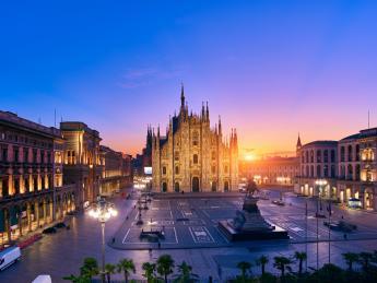 3429+Italien+Mailand+Piazza_Del_Duomo+GI-907949732