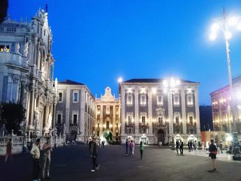 3429+Italien+Mailand+Piazza_del_Duomo+GI-562383729