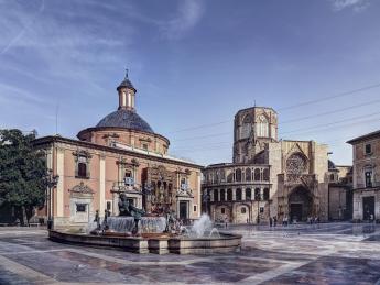 1041+Spanien+Valencia+Plaza_de_la_Virgen+GI-616158810