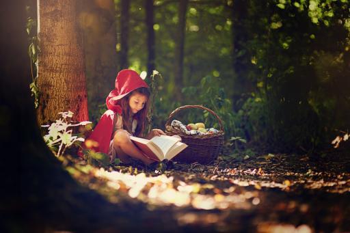 Mädchen+Buch+Märchen
