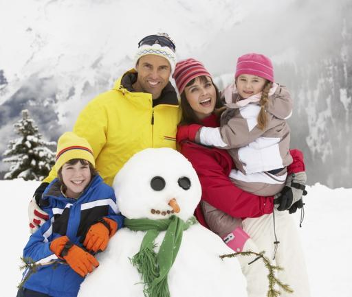 Skigebiete - Familie im Skiurlaub