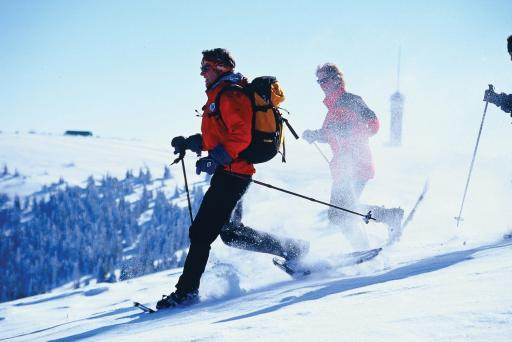 Im Skigebiet Feldberg mit Schneeschuhen wandern