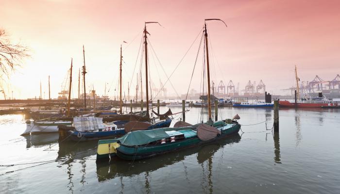 Hafen, Boote, Familienzeit - Hamburg