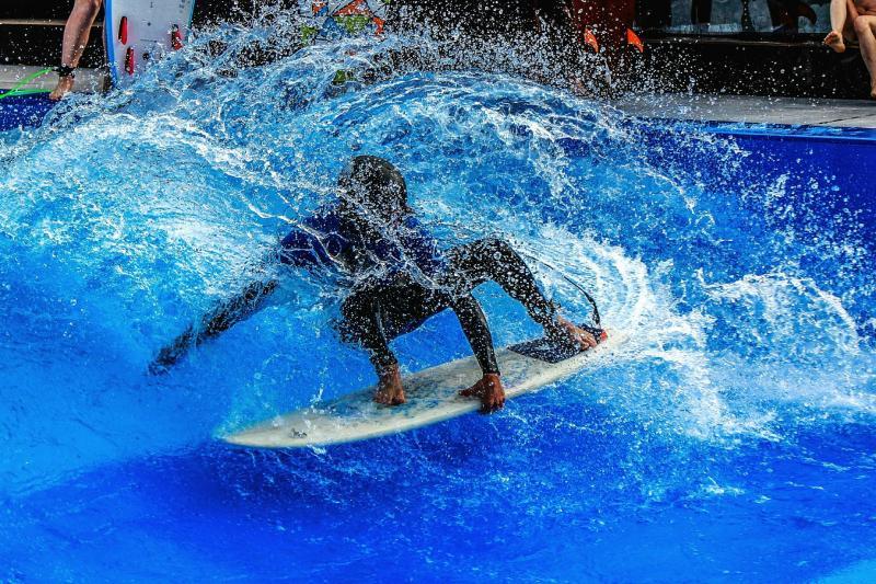 Mallorca für Jedermann - Surfen Brett Wavepark