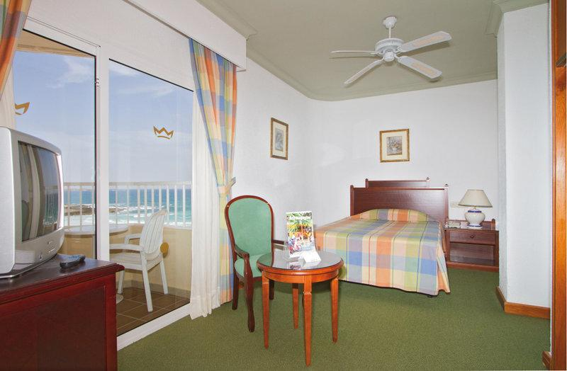 Hotel riu oliva beach resort haupthaus in corralejo for Riu oliva beach fuerteventura