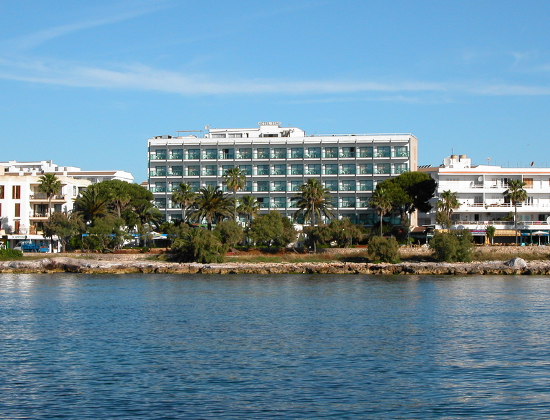 Hotel Marins Playa Suites in Cala Millor (Mallorca) buchen | CHECK24